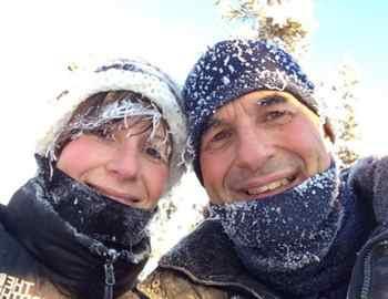 мужчина случайно застрелил свою жену