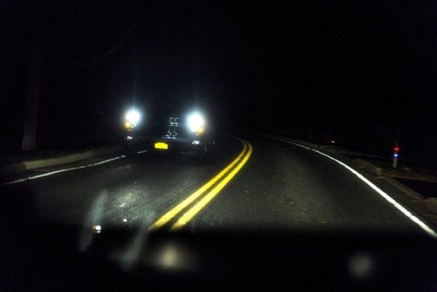 на дороге ночью