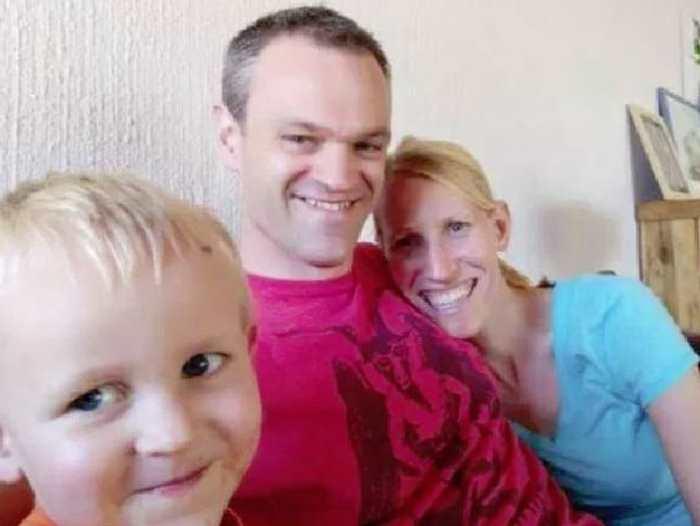 семья на которую напал жираф