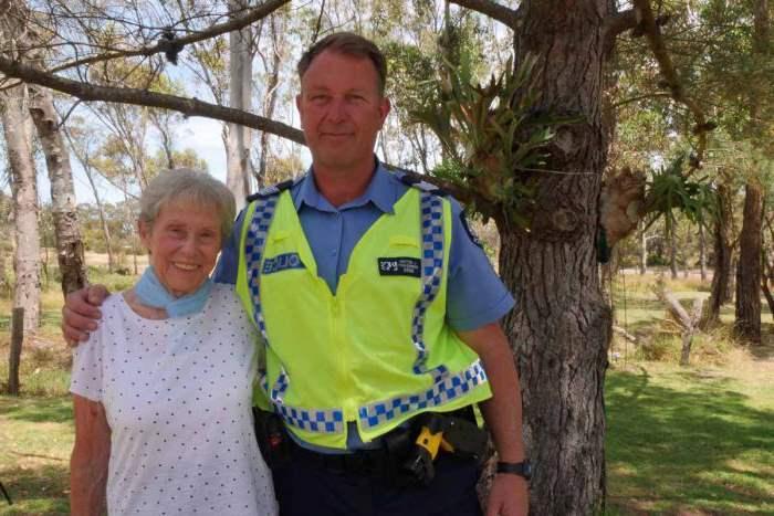 полицейский с бабушкой