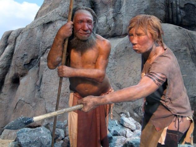 два древних человека