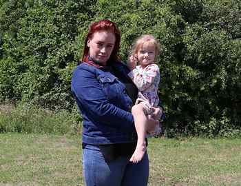 Элси со своей матерью Челси Фаулер